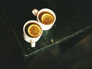 Звенеть с тобой за чаем ложечками, блюдечками