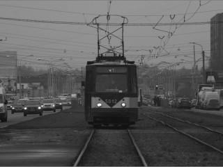 И трамвайным звонком воздается за сон невпопад